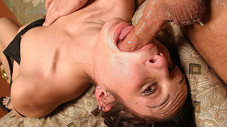 Amber Rayne gives best deep throat blowjob